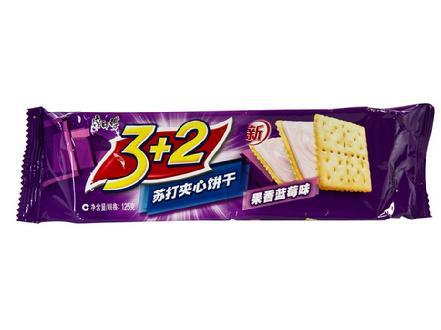 """""""康师傅""""3+2苏打夹心饼干蓝莓味125g"""